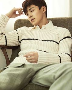 Hairstyles are Kang Ha-neul handsome korean actors strange facets of fashion. with a bunch of incredibly skinny strands of keratin, its something like uncommon Handsome Korean Actors, Handsome Boys, Korean Men, Asian Men, Lee Tae Hwan, Lee Min Ho Kdrama, Korean Haircut, Kdrama Actors, Asian Actors