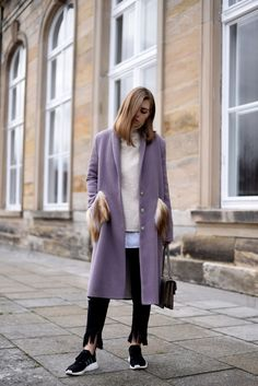 More on www.offwhiteswan.com  Winter Coat lilac with fake fur details, Faux fur, Adidas NMD black, Gucci Dionysus, Fringed Jeans Denim by Zara, Winter Streetstyle, Fashion, Trend 2017 #swantjesoemmer #offwhiteswan