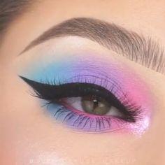 easy zebra eye makeup / zebra eye makeup & zebra eye makeup animal prints & zebra eye makeup halloween & zebra eye makeup make up & zebra print eye makeup & easy zebra eye makeup Makeup Eye Looks, Eye Makeup Art, Colorful Eye Makeup, Beautiful Eye Makeup, Crazy Makeup, Cute Makeup, Skin Makeup, Eyeshadow Makeup, Makeup Inspo