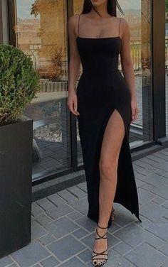 Stunning Prom Dresses, Pretty Prom Dresses, Ball Dresses, Elegant Dresses, Cute Dresses, Beautiful Dresses, Black Evening Dresses, Glamouröse Outfits, Cute Casual Outfits