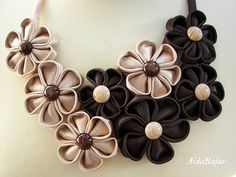AidaBajar: Kanzashi necklace (creamy+brown) Ribbon Jewelry, Ribbon Art, Ribbon Crafts, Flower Crafts, Fabric Necklace, Diy Necklace, Ribbon Necklace, Necklaces, Textile Jewelry