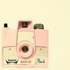 Vintage pink camera!!! I want one.