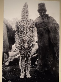 The Lost Tribes of Tierra del Fuego: Rare and Haunting Photos of Selk'nam People Posing With Their Traditional Body-Painting ~ vintage everyday Tribes Of The World, People Of The World, Anima And Animus, The Doors Of Perception, Haunting Photos, People Poses, Bizarre, Tribal Art, Occult