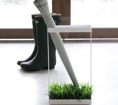 人工芝が気持ちいい、おしゃれな傘立て「i-Umbrella Stand by Di-Classe」 | Q ration(キューレーション) | QUAEL bags | クアエル