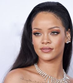 Rihanna's Most Stunning Makeup Looks We'll Never Get Over - Rihanna has been slaying the makeup game for years. We chose 15 of her very best moments. Find out - Uk Makeup, Retro Makeup, Beauty Makeup, Cheap Makeup, Makeup Inspo, Makeup Ideas, Hair Beauty, Rihanna Makeup, Rihanna Fenty
