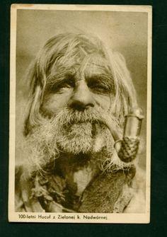 """1920і роки, фото  військового фотографа Миколи Сеньковського. Знімок ввійшов до збірки """"Гуцульські типи"""" Old Man Portrait, Folk Clothing, Mug Shots, Vintage Pictures, Vintage Photographs, Old Photos, Photography, Paths, Boards"""