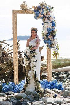blue hydrangea wedding arch / http://www.himisspuff.com/beautiful-hydrangeas-wedding-ideas/3/