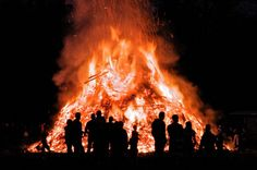 Either before, during or after Easter Sunday the dutch will lite large bonfires which are said to symbolize a variety of things. Many areas throughout Netherlands have competitions to see who can build the highest fires!