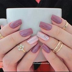 False nails have the advantage of offering a manicure worthy of the most advanced backstage and to hold longer than a simple nail polish. The problem is how to remove them without damaging your nails. Perfect Nails, Gorgeous Nails, Love Nails, Pink Nails, My Nails, Stylish Nails, Trendy Nails, Nagel Blog, Pretty Nail Art