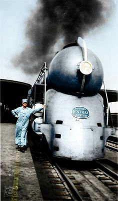 But mostly train-related pictures. I like other stuff too, so a few non-railroad pictures just might sneak in too. Arte Art Deco, New York Central Railroad, Train Posters, Railroad Pictures, Bonde, Old Trains, Vintage Trains, Train Art, Train Pictures
