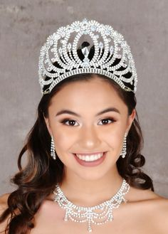 Find fancy quinceanera tiaras and quinceanera crowns for your big day! Quinceanera Tiaras, Quinceanera Dresses, Crown Clip Art, Tiara Ring, Queen, Tiaras And Crowns, Feminine, Fancy, Crystals
