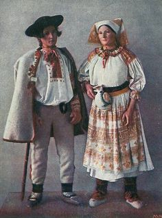Costume of Čičmany and vicinity, Slovakia Folk Embroidery, Embroidery Patterns, Ethnic Fashion, Fashion Art, Costumes Around The World, Antique Quilts, Folk Costume, Traditional Dresses, Female