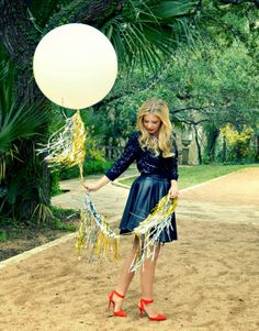 Love the shimmer and the big balloon! Need an excuse to use this for a party! #BSSS