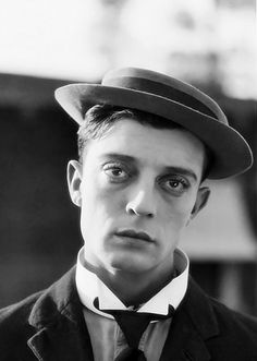Today is Buster Keaton's Birthday. Born 122 years ago in Piqua Kansas Louise Brooks, Silent Film Stars, Movie Stars, Vintage Hollywood, Classic Hollywood, Benny And Joon, Buster Keaton, Viejo Hollywood, Great Smiles