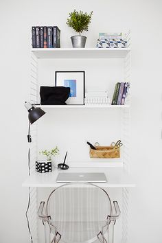 Home office desk styling small spaces 25 trendy ideas Home Office Space, Home Office Decor, Home Decor, Desk Space, Small Office, Mini Office, Office Spaces, Office Desk, Office Hub