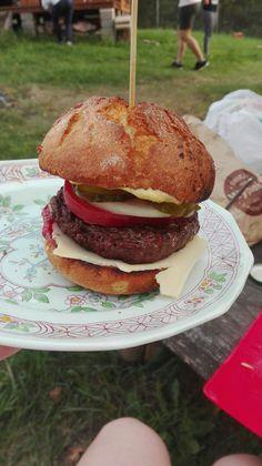 Swojski hamburger