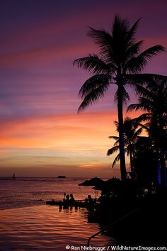 WAIKIKI SUNSET PHOTOS  Sunset from the infinity pool at the Sheraton Waikiki, Waikiki Beach,  Honolulu, Oahu, Hawaii