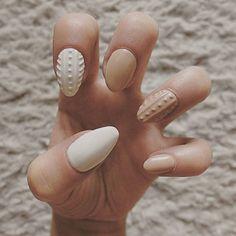 #nails #hybryda #semilac #ilovesemilac #sweaternails