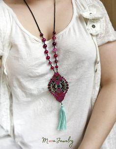 Collier pompon Bohème bijoux en macramé couche en agate