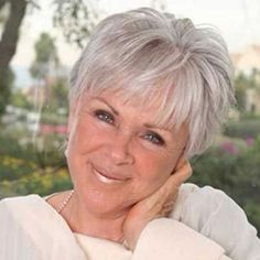Short haircuts lover older ladies, we collect 20 Super Short Hair Styles for Older Women, an you can get easily new style. Check these short hair ideas. Cool Short Hairstyles, Hairstyles Over 50, Short Hairstyles For Women, Hairstyles Haircuts, Pixie Haircuts, Stylish Hairstyles, Medium Hairstyles, Hairstyle Short, Hairstyle Ideas