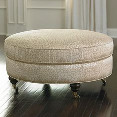 I want to DIY a version of this.  Ottoman, extra seating and add some storage.  Haven't found a good pattern yet though. :/