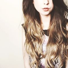 Zoella ♥♥ Love her and her hair. I'm going to try copy this look. Zoella Hair, Zoella Beauty, Hair Beauty, Beauty Tips, Beauty Stuff, Blond Ombre, Brown To Blonde, Ombre Hair, Beige Blonde