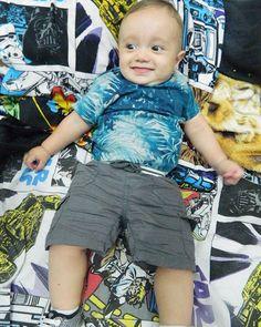 Hoje é dia de #followfriday! Esse da foto é o Anakin, o baby fofo da mamãe Bia, lá no insta deles a mamãe posta diariamente a rotina da introdução alimentar, resenhas de produtos, dicas, experiências e entretenimento para bebês. Se você ai ainda sente curiosidade sobre como iniciar a introdução alimentar do seu baby, siga o IG @_maternidadecomamor, que lá o que não falta é dicas! 😍😚💁🏻👶🏼 #maternidadecomamor #anakin #introduçãoalimentar #amamentacaoexclusivaateos6meses #cutebaby #f..