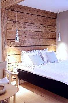 Divide a space. Wood on ceiling instead? Modern Cabin Interior, Living Room Interior, Interior Design, Cabin Interiors, Log Homes, Sweet Home, Bedroom Decor, House Design, House Styles