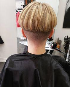 Men's Hair, Hair Art, Her Hair, Bowl Haircuts, Haircuts For Men, Undercut Pompadour, Undercut Hairstyles, Curl Styles, Short Hair Styles