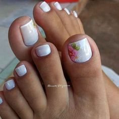 French Pedicure Designs Flower Tips 56 Trendy Ideas Summer Pedicure Colors, Summer Toe Nails, French Pedicure Designs, Cool Nail Designs, Art Designs, Design Art, Pedicure Nail Art, Manicure And Pedicure, Manicure Ideas