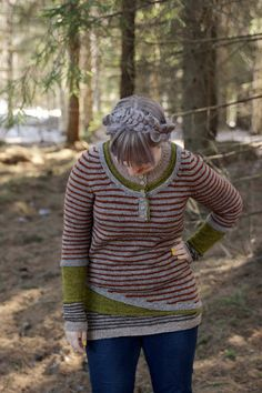 Few years ago I knitted the best sweater ever . Knitting Blogs, Easy Knitting, Cool Sweaters, Men Sweater, Turtle Neck, Pullover, Pattern, Crafts, Fashion
