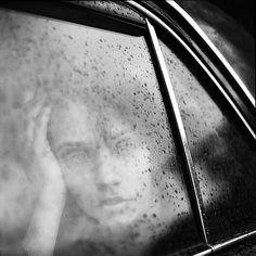 Through a rainy car window, photography by Alex Mazurov. Nostalgia, Rainy Window, I Love Rain, Monday Inspiration, Patterns In Nature, Portrait Inspiration, Rainy Days, Black And White Photography, Portrait Photography