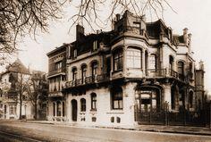 Hotel Aubecq, Bruxelles. Opera del celebre architetto Victor Horta risalente al 1899, è stata demolita nel 1950.