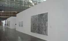AMBIENTI ESPOSITIVI_PROSIEGUO. Proseguiamo nella visita degli spazi espositivi. Sono ampi e luminosi, le pareti bene accolgono le opere.