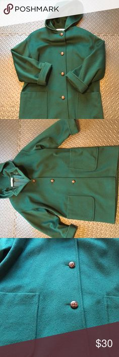 Larry Levine Size 8 Trench Green Larry Levine Size 8 Trench Coat Green In Good Condition. Comes from a pet and smoke free home. Larry Levine Jackets & Coats Trench Coats