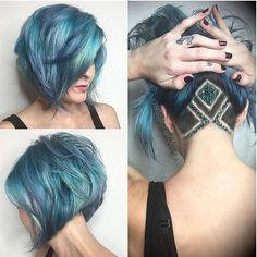 "17.7 mil curtidas, 658 comentários - w i c c a ɔ. (@wiccac) no Instagram: ""Do you like these colors and undercut?  via @rebeccataylorhair"" undercut bob cut short bob blue hair"