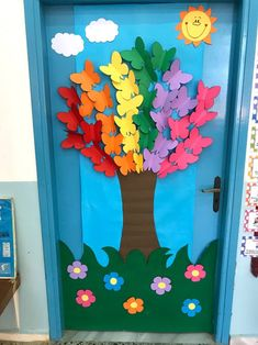 Kids Crafts, Easy Christmas Crafts For Toddlers, Summer Crafts For Kids, Preschool Crafts, Diy And Crafts, Paper Crafts, School Door Decorations, Class Decoration, Preschool Classroom Decor