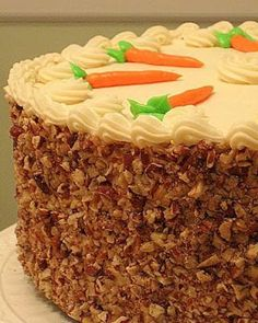 Carrot Cake Recipe That Is So Yummy And Decadent This carrot cake recipe is just plain perfect. It contains everything that we love about carrot cake. It's so yummy and moist and don't forget the cream cheese icing. Cupcakes, Cupcake Cakes, Just Desserts, Delicious Desserts, Healthy Desserts, Cake Recipes, Dessert Recipes, Dessert Blog, Punch Recipes