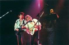 Trevor Rabin & Chris Squire from 1980's Yes