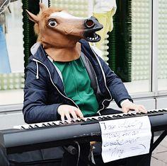 Street performers in Amsterdam be like... 😁