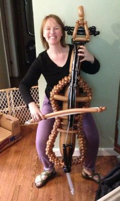 Balloon #cello! You didn't misread that.... I WANT ONE OF THESE NEXT TIME I SEE THE BALLOON MAN AT THE CARNIVAL