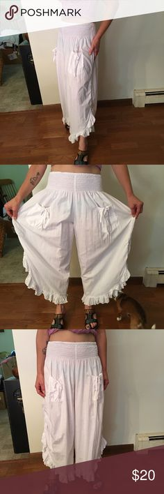 Very cute little cotton bloomers 🤗 Very good shape, they are sooo cute. I'm just large now.😞 very comfy! Wild women Pants Ankle & Cropped