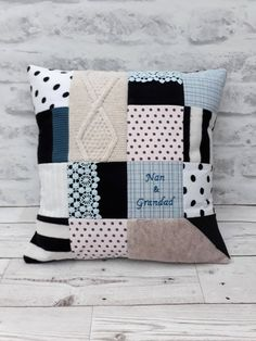 Patchwork cushion pattern etsy 50 ideas for 2019 Patchwork Blanket, Patchwork Cushion, Patchwork Baby, Crazy Patchwork, Blanket Yarn, Patchwork Patterns, Blanket Patterns, Memory Pillows, Baby Pillows