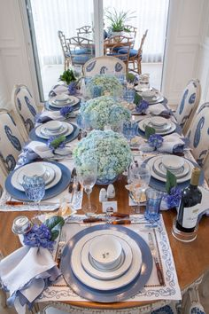 Table decor and tablescape  Light and bright