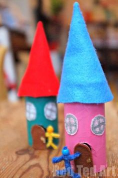 Diy fairy house w toilet paper roll Arts And Crafts Projects, Projects For Kids, Home Crafts, Fun Crafts, Fairy House Crafts, Fairy Tale Crafts, Craft House, Fairy Houses, Crafts For Kids To Make