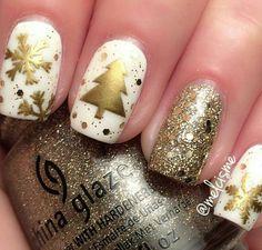 80 Beautiful Stylish and Trendy Nail Art Designs for Christmas Xmas Nails, Holiday Nails, Red Nails, White Nails, Christmas Nails, Gold Christmas, Holiday Dip, Winter Christmas, Christmas Trees