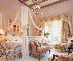 Mario Buatta: Fifty Years of American Interior Decoration Shabby Chic Master Bedroom, Dream Bedroom, Modern Bedroom, Feminine Bedroom, Pretty Bedroom, Royal Bedroom, Master Bedrooms, Home Design, Home Interior Design