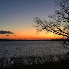 ✌️for  #lakeminnetonka #minnesota #mn #exploremn #nature #fall #sunset #mnlakelife #lakelife #lake #minnetonka #tonka #waves #sun #water #orono #oronomn #iphone6s