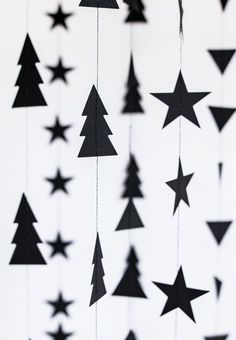 Children's party party shop - ▷ party decorations and party accessories online .- Kinderparty Partyshop – ▷ Partydeko und Partyzubehör Online-Shop Christmas – garland decoration // beautiful Christmas decoration at minidrops >>> - Black Christmas, Noel Christmas, Simple Christmas, Christmas Crafts, Xmas, Beautiful Christmas Decorations, Decoration Christmas, Holiday Decor, Natal Diy