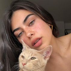 Image discovered by 𑁍┊𝓔𝐋𝐋𝐈𝐄🍈. Find images and videos about girl, cute and pretty on We Heart It - the app to get lost in what you love. Skin Makeup, Beauty Makeup, Hair Beauty, Aesthetic Makeup, Aesthetic Girl, Pretty People, Beautiful People, Beautiful Life, Actrices Sexy